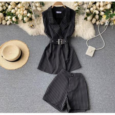 YF46025# 高级感小个子套装复古条纹西装领无袖系带收腰背心上衣短裤二件套