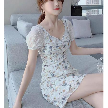 YF47149# 方领小心机碎花连衣裙女夏季新款调皮甜美风气质减龄小个子雪纺裙
