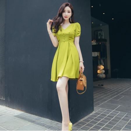 YF61871# 夏新款女法式气质V领牛油果绿收腰显瘦短款小个子A字连衣裙子