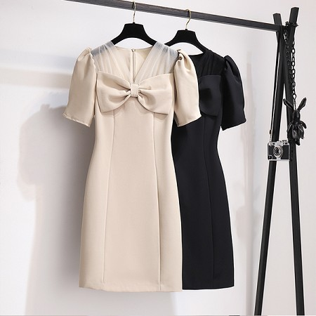 YF62303# 高级感法式轻奢复古气质减龄收腰显瘦扭结v领连衣裙潮 服装批发女装直播货源