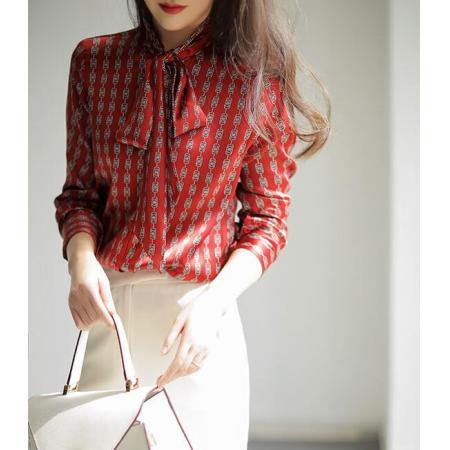 YF67014# 思洛町大气优雅高贵暗酒红色DA牌链条图案宽松飘带真丝衬衣女 服装批发女装直播货源